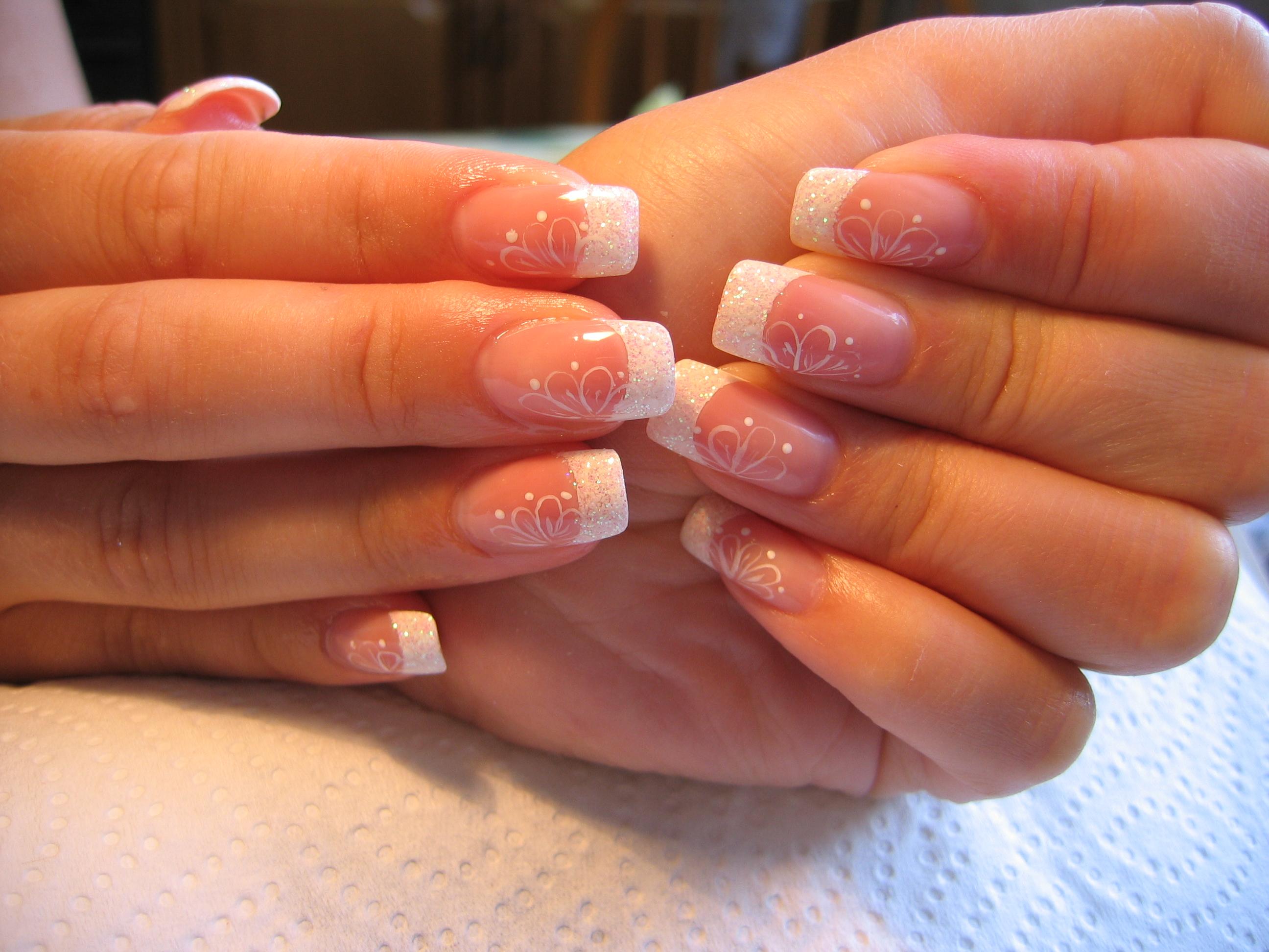 Дизайн ногтей френч блестками фото